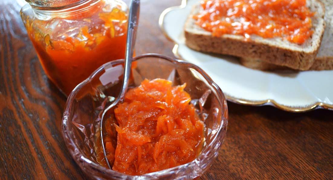 Μαρμελάδα καρότο, αρωματισμένη με φλούδα μανταρινιού και λουίζα